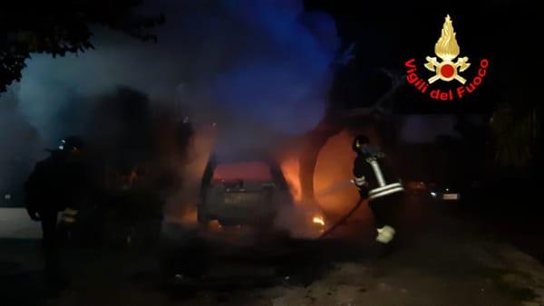 incendio_auto_san_felice_circeo_25_10_19_1-2