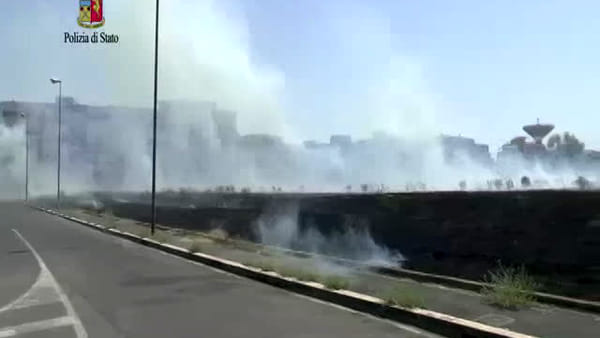 Incendio in viale Le Corbusier, arrestato un 45enne dalla polizia | IL VIDEO