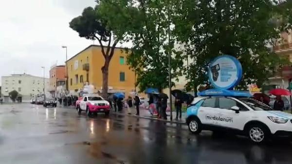 Giro d'Italia, l'arrivo della Carovana Rosa a Latina | IL VIDEO