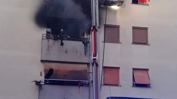 incendio_appartamento_palazzo_cisterna_18_08_19_3-2