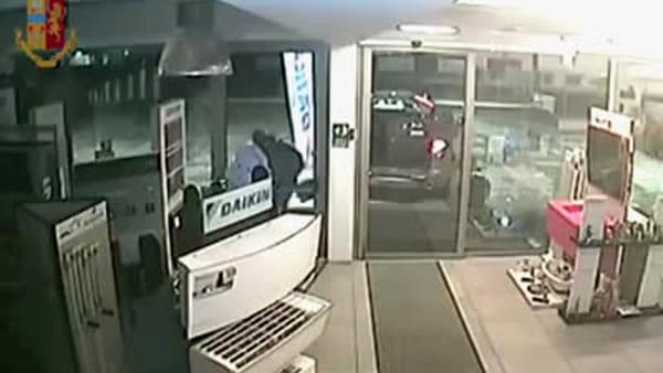 Latina, banda dei furti in azione: decine di colpi in tutta la provincia | IL VIDEO