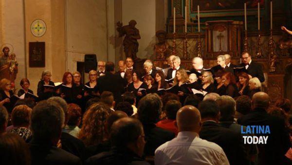 associazione polifonica pontina in concerto per l'epifania -3