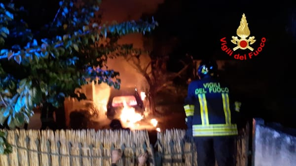 incendio_auto_san_felice_circeo_25_10_19-2