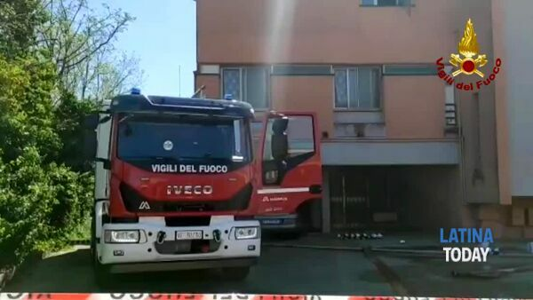 Incendio in una casa a Borgo Grappa: muore una donna | IL VIDEO