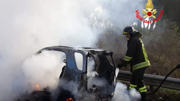 incendio_auto_pontina_25_01_19_2-2