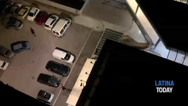 Furto al centro Lestrella: bancomat sradicato e portato via, come hanno agito i ladri | IL VIDEO