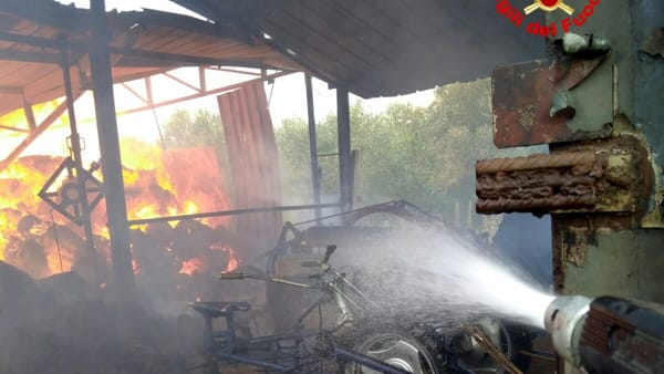 incendio_fienile_sezze_8_08_19_1-2